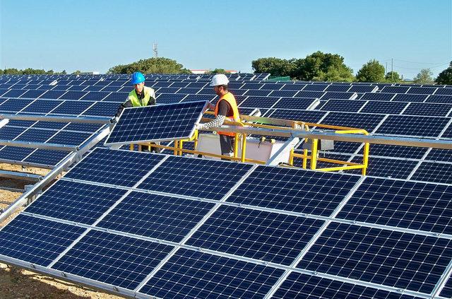 solar-installers-640x423.jpg
